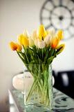 Foto de los tulipanes de la primavera del ramo Foto de archivo libre de regalías