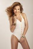 Foto de moda de la mujer atractiva del yung. Fotografía de archivo libre de regalías
