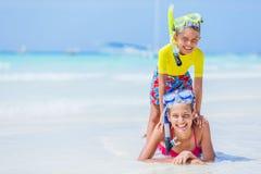 Foto de niños que bucean Fotografía de archivo libre de regalías