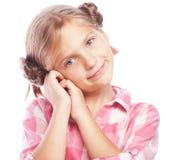 Foto de rir a menina feliz bonita que olha a câmera foto de stock