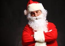 Foto de Santa Claus feliz nos monóculos fotografia de stock royalty free