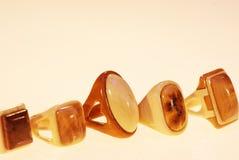 Foto de um grupo de anéis da madeira foto de stock