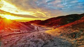 Foto de uma altura Por do sol colorido imagens de stock royalty free