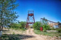 Foto de uma mina subterrânea abandonada imagem de stock