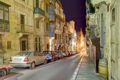 Foto de uma rua histórica da cidade de Valletta, capital da noite de HDR de Malta Fotos de Stock