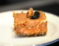 Foto de una torta de chocolate dulce deliciosa macra brillante imagen de archivo libre de regalías
