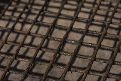 Foto de vista velha oxidada da grade do assado fotografia de stock