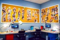 Foto de Warner Bros dentro das vistas Excursão Hollywood do estúdio, EXCURSÃO do VIP ajuste o filme da cidade do lego, terno do s Foto de Stock