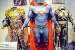 Foto de Warner Bros dentro de opiniones Viaje Hollywood, VIAJE del estudio del VIP fije la película de la ciudad del lego, traje  Imágenes de archivo libres de regalías