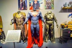 Foto de Warner Bros dentro de opiniones Viaje Hollywood, VIAJE del estudio del VIP fije la película de la ciudad del lego, traje  Foto de archivo libre de regalías