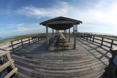 Foto del área del embarcadero en la playa fotos de archivo libres de regalías