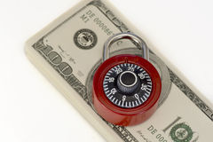 Foto del concepto de la cerradura de la seguridad del dinero Imagen de archivo