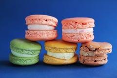 Foto del dessert sul backround blu Foto dell'alimento Immagine Stock Libera da Diritti