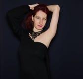 Foto del estudio de la moda de la mujer hermosa imagenes de archivo