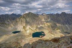 Foto del lago en las altas montañas de Tatra, Eslovaquia, Europa del dolina de Mlynicka y del pleso de Capie Fotografía de archivo libre de regalías