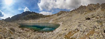 Foto del lago en las altas montañas de Tatra, Eslovaquia, Europa del pleso de Velke Zabie Fotografía de archivo