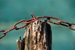 Foto del primer de una cadena oxidada Imagenes de archivo