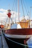 Foto del primer del barco colorido en Copenhague, Dinamarca Fotografía de archivo
