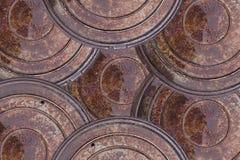 Foto del primer del viejo fondo del extracto de la boca del moho de la alcantarilla Escena de la lluvia Foto de archivo