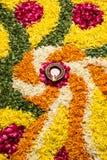 Foto del rangoli de la flor para el diwali o pongal común o el onam Foto de archivo libre de regalías