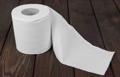 Rotoli Di Carta Igienica : Ha svolto un rotolo della carta igienica immagine stock immagine