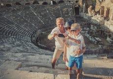 Foto del selfie di vacanza della presa della famiglia Fotografia Stock Libera da Diritti
