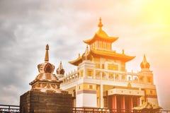Foto del templo del bhuddhist - domicilio de oro del khurul del Buda Shakyamuni foto de archivo