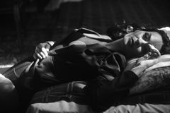 Foto del vintage de una mujer en el estilo de Marlene Dietrich Imágenes de archivo libres de regalías