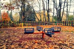 Foto del vintage - patio abandonado en día del frío del otoño Imagen de archivo libre de regalías
