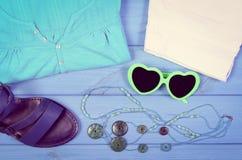 Foto del vintage, ropa para la mujer y accesorios para las vacaciones y el verano Foto de archivo