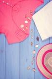 Foto del vintage, ropa para la mujer y accesorios para las vacaciones y el verano, espacio de la copia para el texto Fotografía de archivo libre de regalías