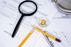 Foto dell'estratto di Bitcoin Commercio di valuta cripto Immagine Stock Libera da Diritti