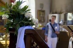 Foto dell'interno del tempio, una chiesa ortodossa, candele, altare Fotografia Stock Libera da Diritti