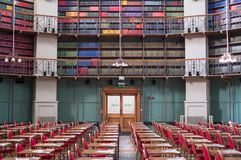 Foto dell'interno della biblioteca storica dell'ottagono a Queen Mary, università di Londra, estremità Regno Unito di miglio fotografie stock libere da diritti