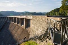 Foto della diga con la natura Fotografia Stock