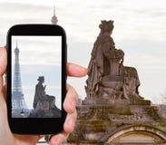 Foto della statua Marsiglia e della torre Eiffel, Parigi Immagini Stock