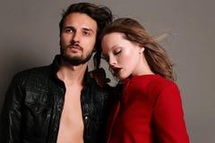 Foto dello studio di modo di belle coppie sexy Immagini Stock