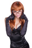 Foto den härliga flickan i den svarta klänningen Arkivbild