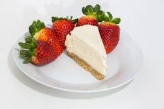Foto der Erdbeere und des Käsekuchens Stockfotografie