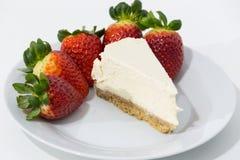 Foto der Erdbeere und des Käsekuchens Lizenzfreie Stockfotos