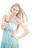 Foto der schönen Frau mit der Hand nahe Gesicht Stockbilder