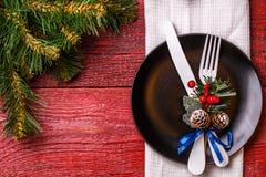 Foto der Weihnachtstabelle mit Gabel und des Messers auf Platte Lizenzfreies Stockfoto