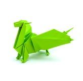 Foto des grünen Drachen des Origamis lokalisiert auf weißem Hintergrund Stockfoto