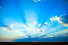 Foto des Sonnenuntergangs in der Landschaft Lizenzfreies Stockfoto