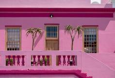 Foto detalhada da casa cor-de-rosa no quarto malaio, BO Kaap, Cape Town, África do Sul fotos de stock royalty free