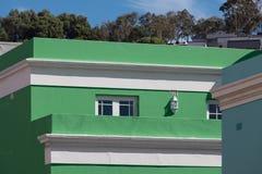 Foto detallada de las casas en el cuarto malayo, BO-Kaap, Cape Town, Suráfrica Área histórica de casas brillantemente pintadas foto de archivo