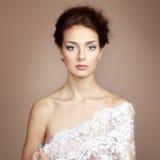 Foto di bella giovane donna. Stile d'annata Immagine Stock