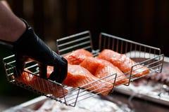 Foto di cottura del pesce del barbecue Immagine Stock