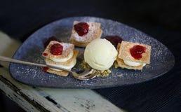 Foto di macro dolce delizioso con crema Fotografie Stock Libere da Diritti