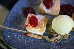 Foto di macro dolce delizioso con crema Immagini Stock Libere da Diritti